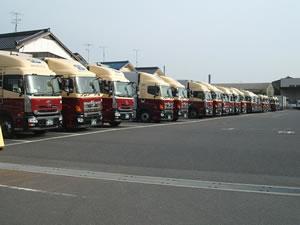 輸送事業トラック1
